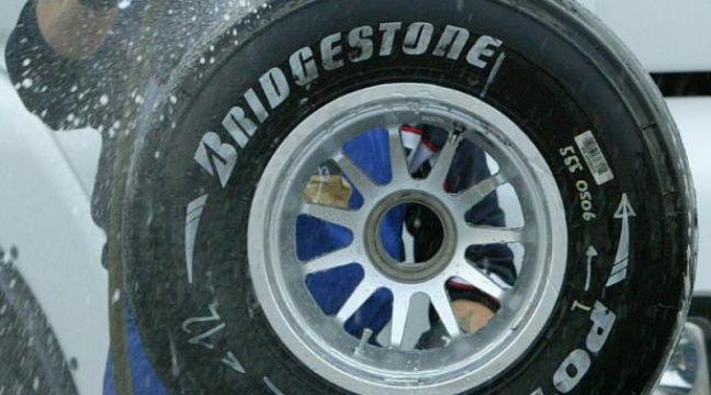 speedy rachet par le fabricant de pneus japonais bridgestone. Black Bedroom Furniture Sets. Home Design Ideas