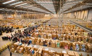 Illustration: un entrepôt d'Amazon.