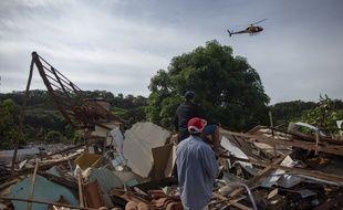 Au Brésil, la rupture d'un barrage minier a fait au moins 37 morts et 300 disparus