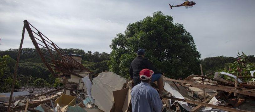 Au Brésil, la rupture d'un barrage minier a fait au moins 115 morts.