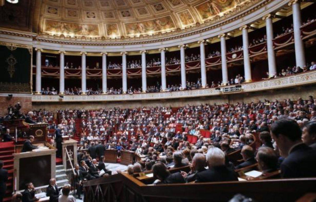 Le projet de loi sur les emplois d'avenir, à l'Assemblée nationale, et celui sur les logements sociaux, au Sénat, lancent mardi la session extraordinaire du Parlement destinée à afficher la volonté du gouvernement d'accélérer le tempo. – Patrick Kovarik afp.com