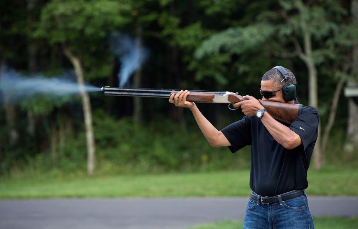 Barack Obama s'entraîne au tir à la carabine, en 2013. – P.SOUZA/MAISON BLANCHE