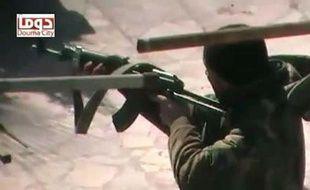 La paralysie de l'ONU et le refus de toute intervention militaire obligent les pays qui réclament la fin de la répression à envisager un scénario déjà vu en Libye: la livraison d'armes aux rebelles et la reconnaissance de l'opposition comme seule interlocutrice