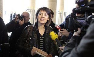 Nathalie Arthaud (Lutte ouvrière) a déposé mercredi matin ses 48 derniers parrainages au Conseil constitutionnel, atteignant ainsi 521 signatures, au-delà du seuil de 500 requis pour participer à l'élection présidentielle, a constaté une journaliste de l'AFP.