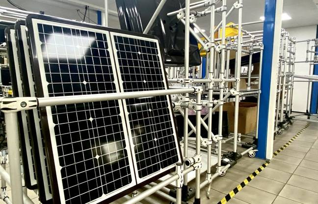 Solar panel used for Sunna Design streetlights, on the Blanquefort assembly site (Gironde)