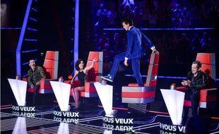 Florent Pagny, Jenifer, Mika et Garou lors des enregistrements des auditions à l'aveugle de la saison 3 de The Voice en novembre 2013.