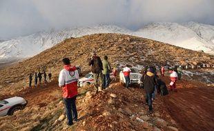 Les équipes de secours n'ont pas réussi lundi, au deuxième jour de leurs recherches, à localiser l'avion de ligne iranien disparu avec 66 personnes à bord
