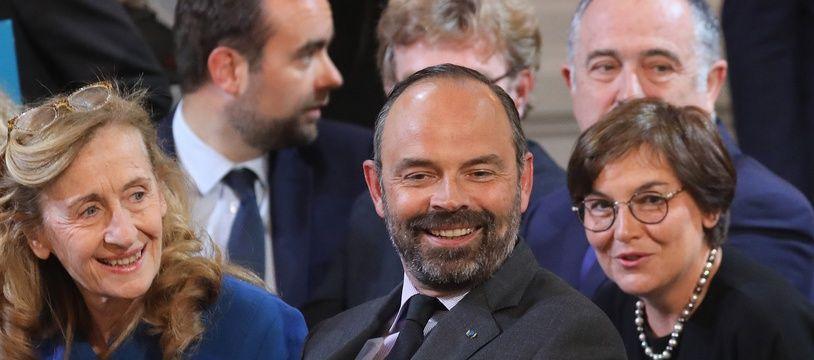 Le Premier ministre et une partie du gouvernement (ici le 25 avril 2019) renouent ce mercredi avec les déplacements de travail dans les territoires.