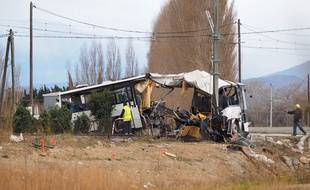 La carcasse du bus accidenté à Millas, vendredi 15 décembre.