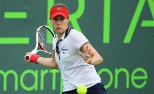 Alizé Cornet, 31e joueuse mondiale, finaliste malheureuse en 2012, a inscrit son nom pour la première fois au palmarès du tournoi ATP de Strasbourg, en battant samedi la Tchèque Lucie Hradecka (112e) 7-6 (7/4), 6-0, en 1 h 28 min de jeu.