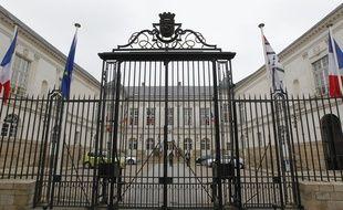 Plusieurs associations ont porté plainte contre la mairie pour « mise en danger de la vie d'autrui », en pleine période de canicule.