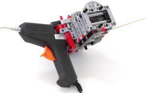 Un pistolet pour imprimer en 3D et fait en Lego.