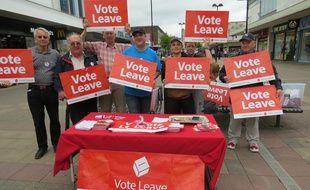 Des militants pour le Brexit à Harlow (Royaume-Uni), le 22 juin 2016.