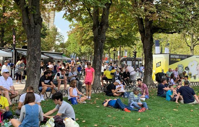 Les abords des Champs-Elysées avaient parfois l'allure de festival