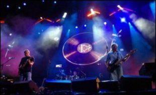 Syd Barrett, fondateur du groupe de rock psychédélique britannique Pink Floyd, est décédé à l'âge de 60 ans, a annoncé mardi une porte-parole du groupe.