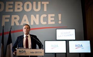 Nicolas Dupont-Aignan, candidat Debout la France à la présidentielle, le 1er février 2017 à son siège de campagne à Paris