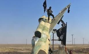 Des soldats de Daesh, pris en photo à Raqqa à une date non déterminée