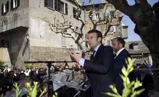 Le candidat à la présidentielle Emmanuel Macron, le 7 avril 2017 à Vescovato en Corse.