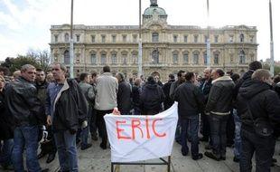 Eric Lalès est mort en 2011.