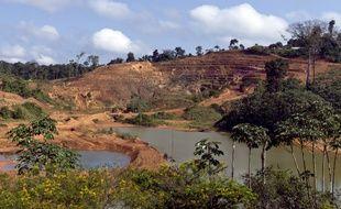 Les mines sont déjà nombreuses en Guyane.