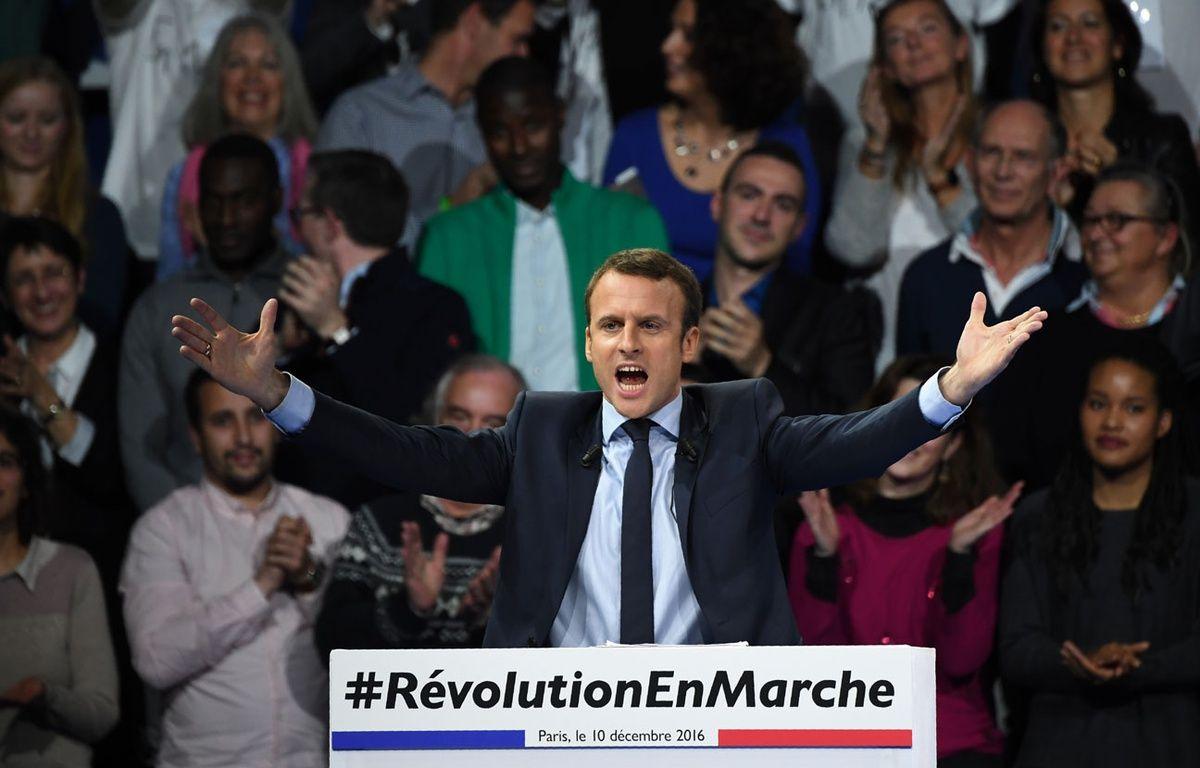 Emmanuel Macron a effectué samedi 10 décembre à Paris une première démonstration de force devant au moins 10.000 personnes. – Eric FEFERBERG / AFP