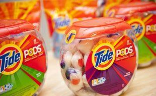 Des capsules de lessive de la marque Tide Pods.
