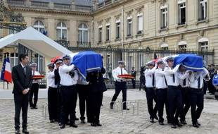 Cérémonie en hommage au policier et de sa compagne tués par un jidahiste, le  17 juin 2016 à Versailles