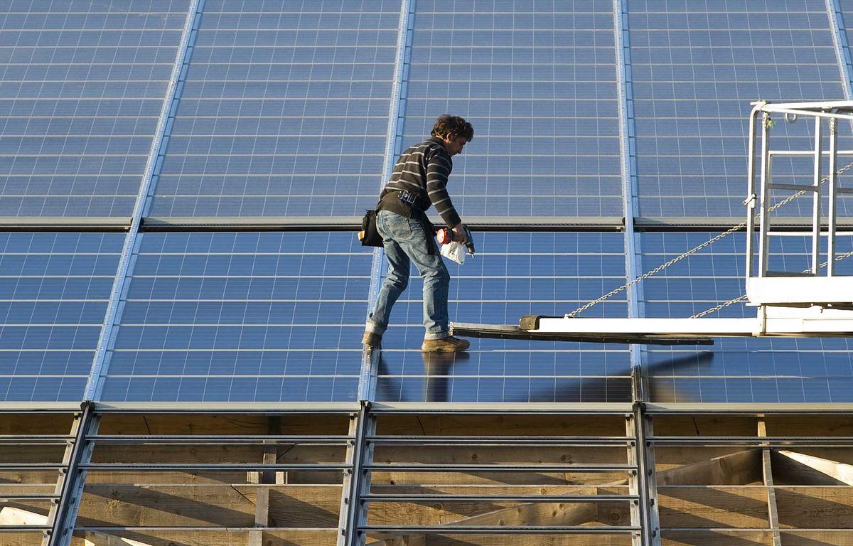 Illustration de panneaux solaires – JS Evrard/ SIPA