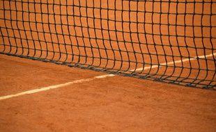 Alsace: Un joueur de 19 ans meurt après un arrêt cardiaque pendant son match de tennis (Illustration)