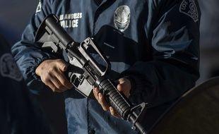 Un policier à Los Angeles, aux Etats-Unis.