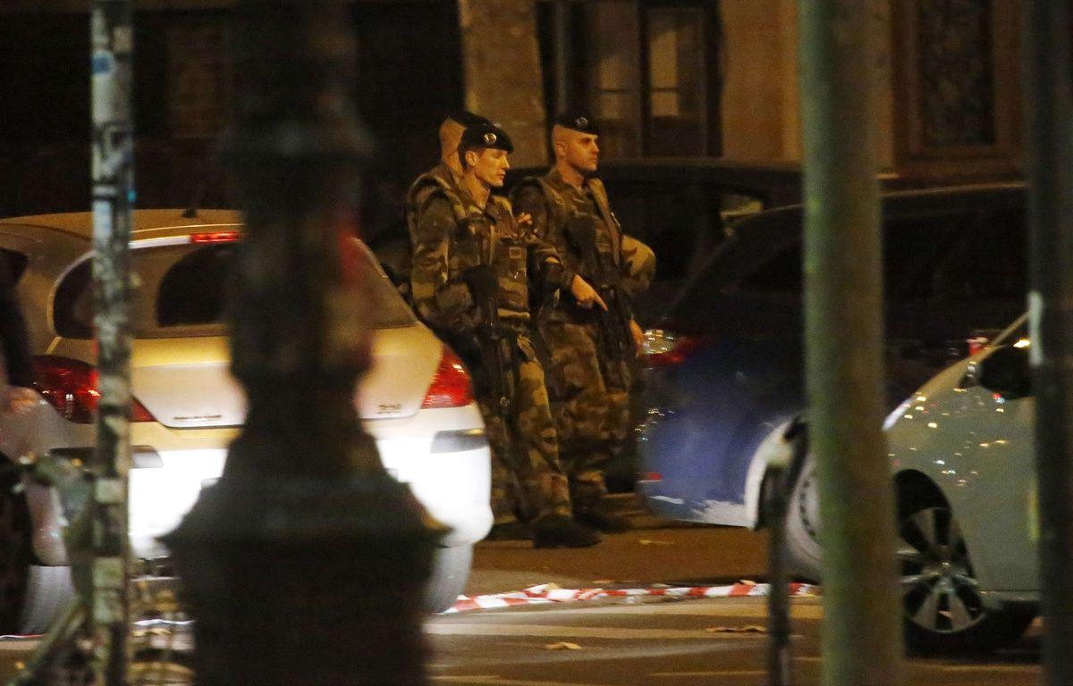 Des militaires dans Paris après les attentats meurtriers du 13 novembre  –  Jerome Delay/AP/SIPA