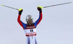 Julien Lizeroux, tout heureux après sa performance dans le slalom du combiné, à Val d'Isère, le 09 février 2009.
