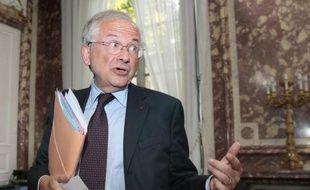 Olivier Schrameck, ancien directeur de cabinet de Lionel Jospin à Matignon, a été nommé mercredi président du Conseil du supérieur de l'audiovisuel (CSA) par le président François Hollande, a annoncé mercredi l'Elysée dans un communiqué.