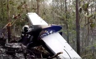 Capture d'écran de la vidéo publiée par le ministère de la Sécurité publique du Costa Rica, montrant les restes de l'avion après l'accident qui a fait douze morts, le 1er janvier 2018.