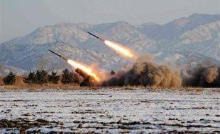 Des tirs de missiles - à courte portée - ont eu lieu en 2007 et 2008 souvent interprétés par les experts comme des bravades visant à accentuer la pression pour négocier en force.