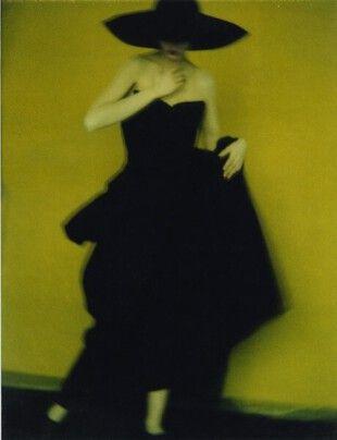Sarah Moon, Pour Yohji Yamamoto, 1996, au Musée d'Art Moderne de Paris.