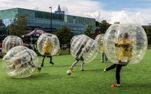 Au Bubble Pump, on peut confondre le ballon avec les joueurs.