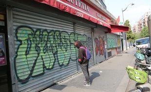 Illustration d'un bar fermé à Paris