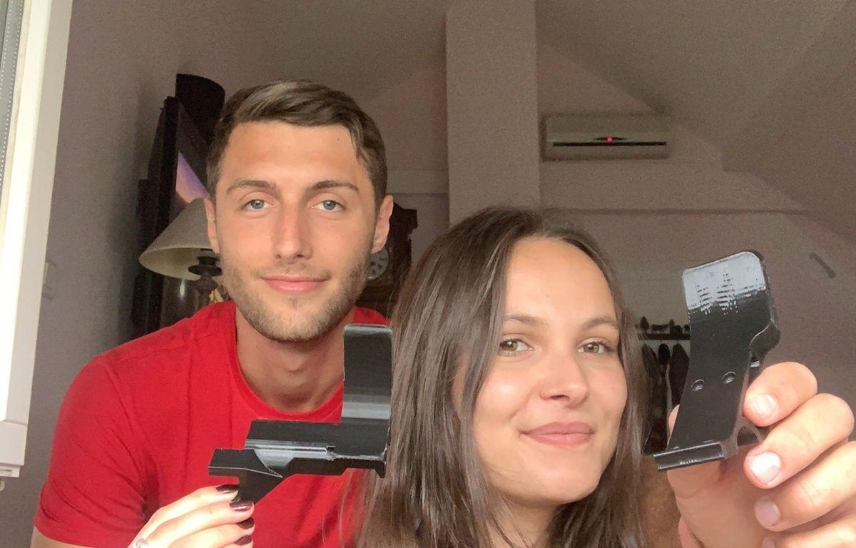 Coronavirus à Strasbourg : Un couple d'étudiants crée des sur-poignées pour ouvrir les portes sans les mains