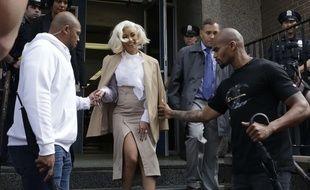 La rappeuse Cardi B à sa sortie d'un commissariat de New York, le 1er octobre 2018.