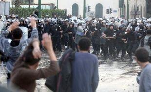 Un policier a été tué lors d'une manifestation dans le centre du Caire, hier.