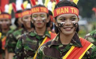 Des membres des forces armées indonésiennes, le 22 avril 2013, à Jakarta.