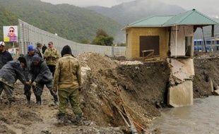 Sur les hauteurs de Sotchi, Akhshtyr ne coule plus des jours tranquillesau bord de la rivière Mzymta: depuis 2008, les travaux près du site olympique ont privé le village d'eau, de route et laissé l'impression aux habitants d'avoir été sacrifiés.