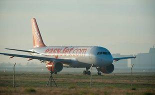 Un Airbus A320 de la compagnie EasyJet à l'aéroport de Toulouse-Blagnac.