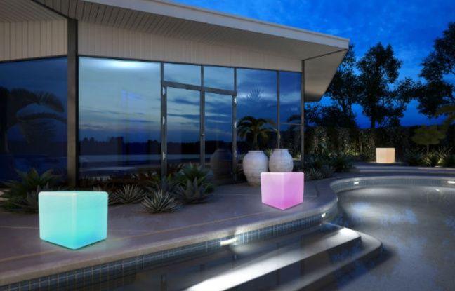 Pour la piscine, la terrasse ou le balcon, AwoX lance ses luminaires connectés fonctionnant sur batterie.