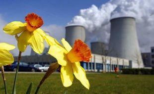 De lourdes peines, allant d'un an à cinq ans de prison ferme et un millon d'euros d'amende, ont été prononcées mercredi par le tribunal correctionnel de Paris à l'encontre de cinq prévenus pour avoir participé à une fraude à la TVA sur le marché carbone.