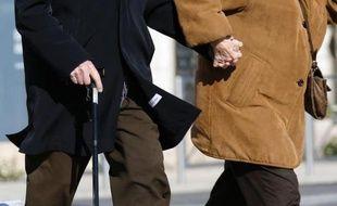 Un couple de personnes âgées (illustration).