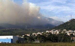 Des habitants ont reçu l'obligation de confinement après la reprise d'un incendie en Corse, sous les vents violents de la tempête Ciara.