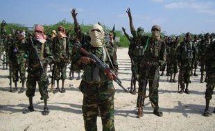 Le Kenya a annoncé vendredi avoir tué au moins 30 insurgés shebab, dont des dirigeants du mouvement islamiste, lors d'une frappe aérienne contre un camp d'entraînement en Somalie.