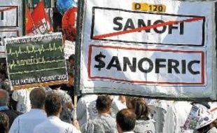 Les salariés de Sanofi manifestent tous les jeudis contre la réorganisation.